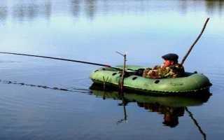 Какой удочкой лучше ловить с лодки