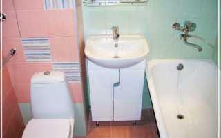 Чем обклеить ванную комнату дешево